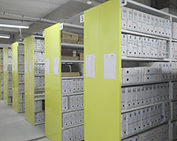 Rayonnage des Archives Municpales d'Agen